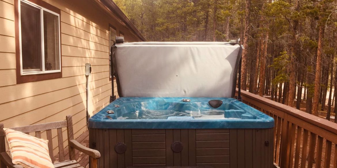 Nederland Trailside AirBnB 17 - Hot tub on deck seats 6